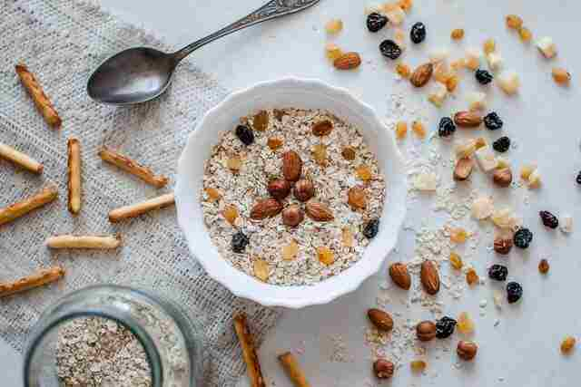 can-you-reheat-oatmeal-featured-image