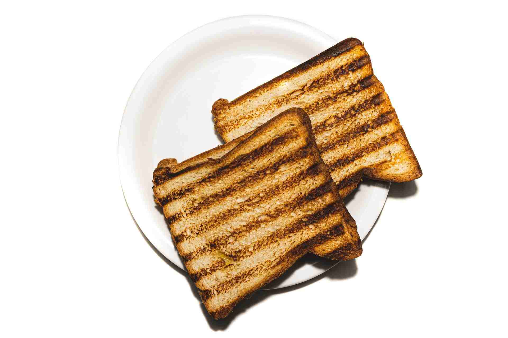 can-you-toast-bread-in-a-microwave-oven-featured-image