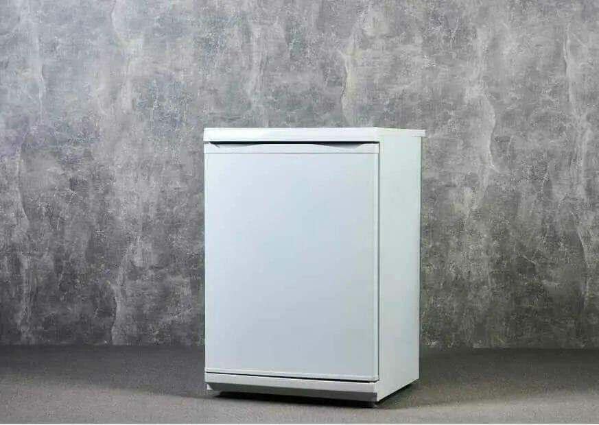 can-i-put-mini-fridge-on-carpet
